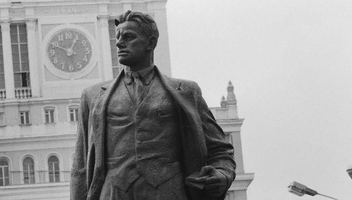 Москва Маяковского: где жил, работал и любил поэт