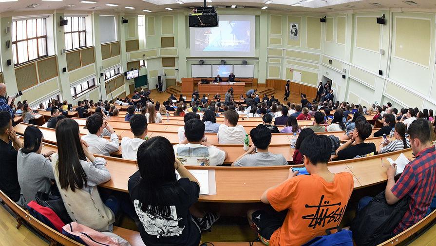 Студенты московских вузов возвращаются к очному обучению