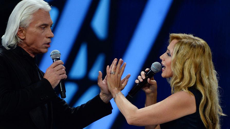 Дмитрий Хворостовский и Лара Фабиан выступают на Международном конкурсе молодых исполнителей популярной музыки «Новая Волна 2016» в Сочи