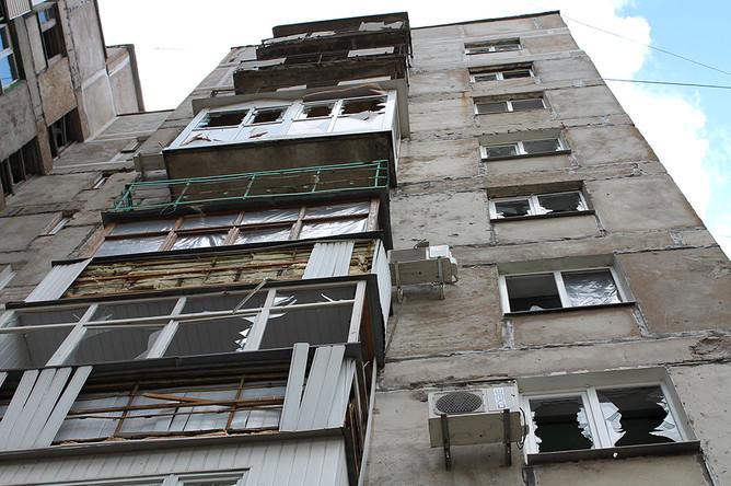 Жилой многоквартирный дом, пострадавший в результате обстрела города Горловки Донецкой области