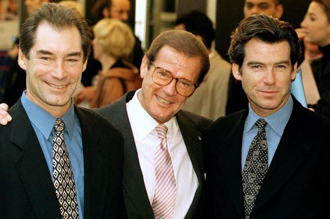 Джеймсы Бонды: Тимоти Далтон, Роджер Мур и Пирс Броснан, 1996 год