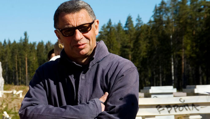 Режиссер Иван Дыховичный на съемочной площадке фильма «Европа — Азия», 2007 год