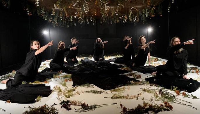 «Петровы в гриппе», Максакова в «Короле Лире», «Поле» и еще 8 театральных премьер