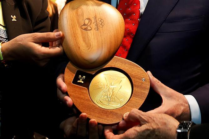 Золотая медаль Олимпийских игр 2016 года в Рио-де-Жанейро