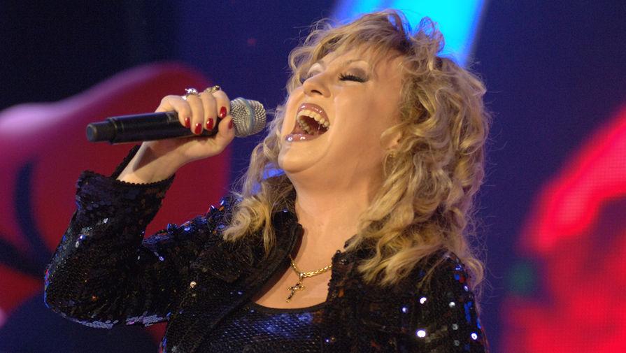 Валентина Легкоступова во время выступления на концерте «Легенды Ретро FM» в Москве, 2008 год