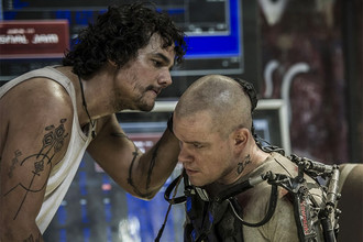 Режиссер Нил Бломкамп рассказал «Газете.Ru» о работе над фильмом «Элизиум — рай не на земле»