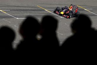 Российский пилот «Ред Булл» Даниил Квят стал 12-м в квалификации Гран-при Китая