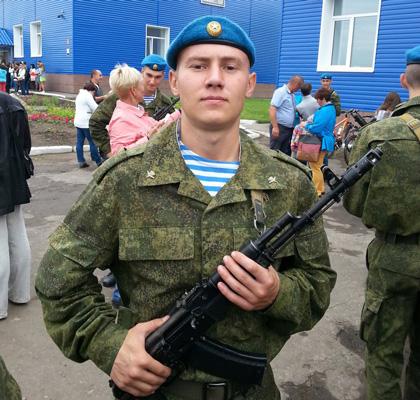 Эдуард Решетников сразу после присяги. Источник: vk.com
