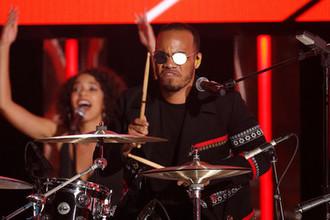 Андерсон Пак и The Free Nationals во время выступления на церемонии вручения премии BET Awards в Лос-Анджелесе, 2016 год