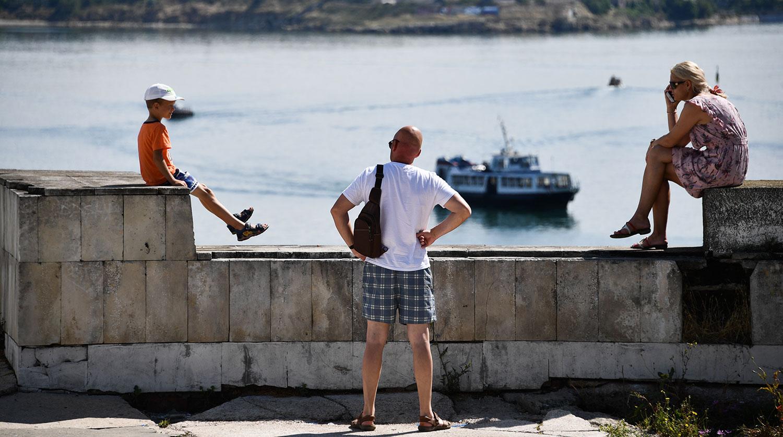 Оскверненные могилы британцев в Крыму возмутили