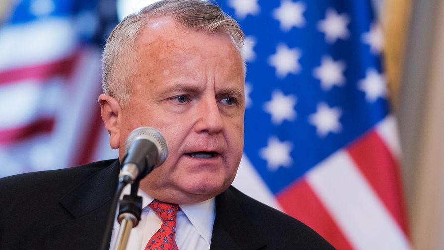 Кандидат в послы США в России выступил против адвоката Трампа