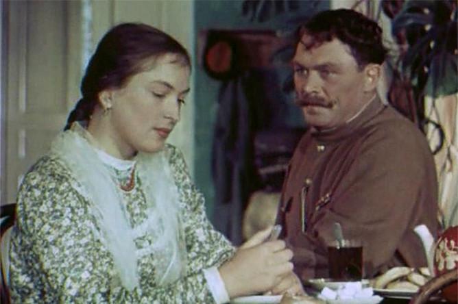 Кадр из фильма «Кубанские казаки» (1949)