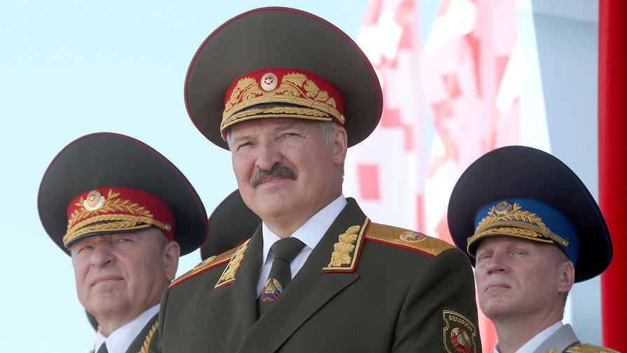 Лукашенко рассказал о желании политиков из РФ приехать на парад в Минск