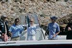 Владимир Путин (в центре) и Джордж Буш (второй справа) во время рыбалки вКеннебанкпорте, 2 июля 2007 года
