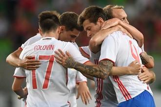 Россияне празднуют гол в ворота Венгрии