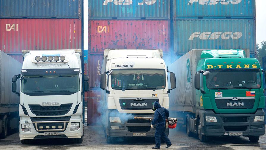 Эксперты: импорт в апреле обвалился и восстановится не скоро
