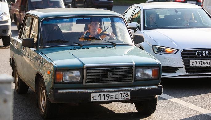 Дорогу молодым: управлять автомобилем разрешат с 17 лет